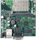 RB411AR mit 300MHz Atheros CPU, 64MB RAM, 1xLAN, 1x miniPCI, 2.4GHz, RouterOS L4