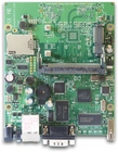 RB411U mit 300MHz Atheros CPU, 32MB RAM, 1xLAN, 1x miniPCI, USB, RouterOS L4